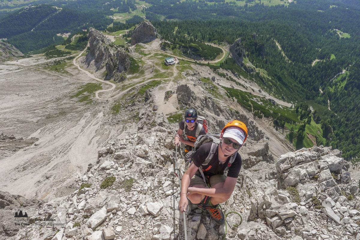 Klettersteig Ferrata : Bergsteiger innsbrucker klettersteig via ferrata