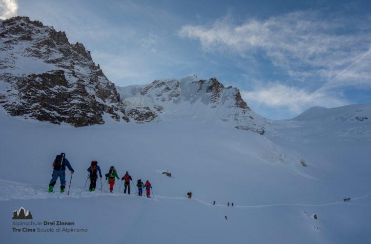 Skitour Gran Paradiso sci d'alpinismo (8)