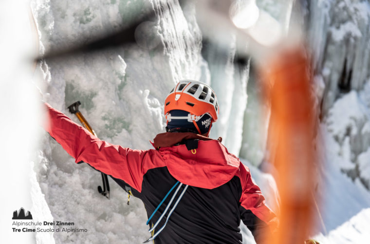Eisklettern - arrampicata su ghiaccio - ice climbing - Alpinschule Drei Zinnen 2020 (11)
