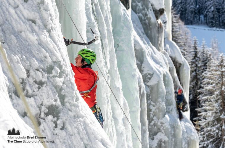 Eisklettern - arrampicata su ghiaccio - ice climbing - Alpinschule Drei Zinnen 2020 (19)