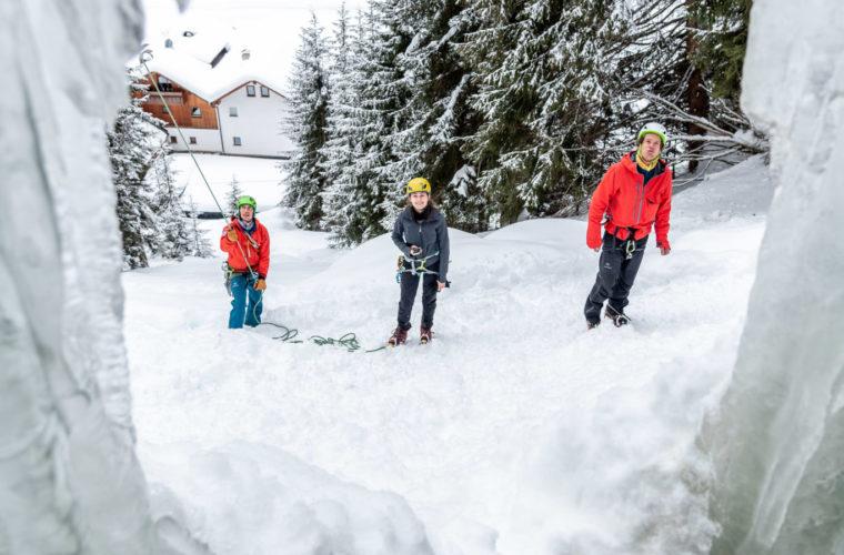Eisklettern - arrampicata su ghiaccio - ice climbing - Alpinschule Drei Zinnen 2020 (36)