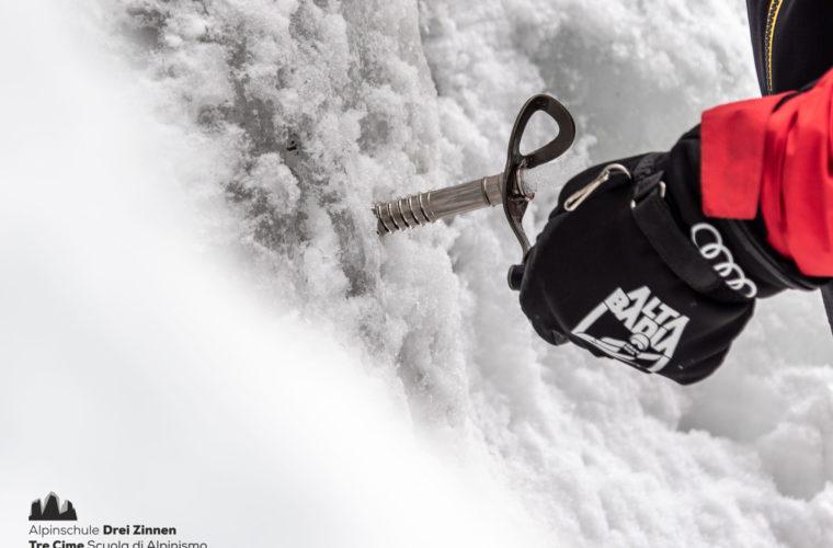Eisklettern - arrampicata su ghiaccio - ice climbing - Alpinschule Drei Zinnen 2020 (38)