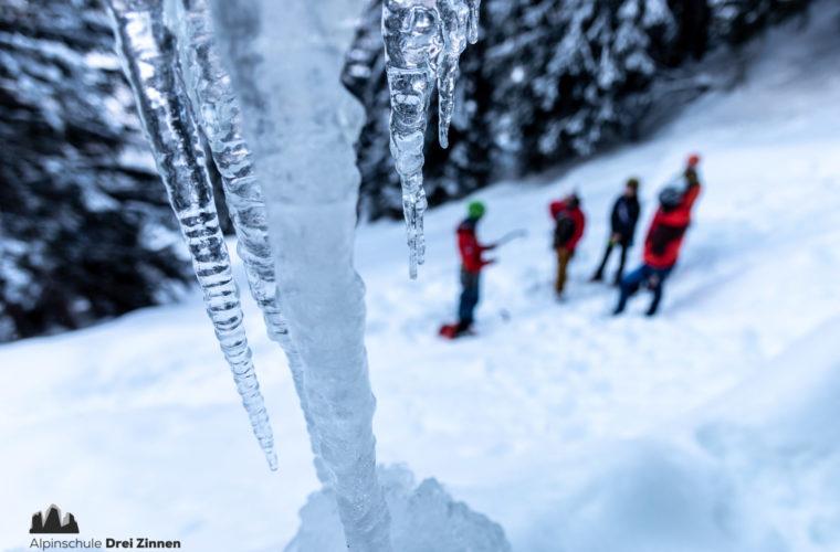 Eisklettern - arrampicata su ghiaccio - ice climbing - Alpinschule Drei Zinnen 2020 (6)